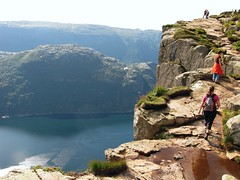 Preikestolen (Leo-set) Tags: nature norway geotagged norge europe norwegen noruega fjord nor norra norvegia fiordo preikestolen rogaland lysefjord pulpitrock noorwegen norvge norja  vuono  predigtstuhl  saarnatuoli srhidle    fossmork fjordas geo:lon=618903200 geo:lat=5898767628