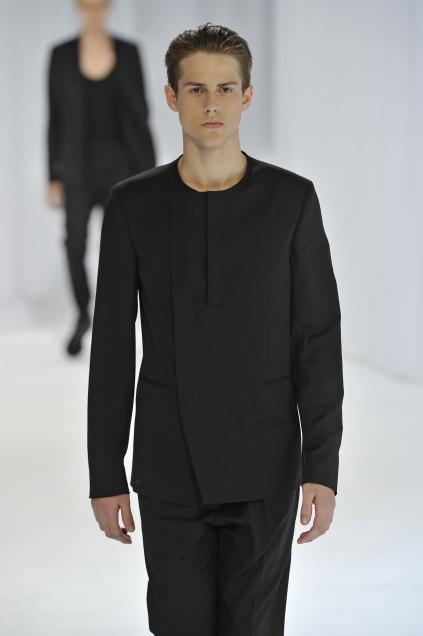 Jonathan Dalcin3012_SS11_Paris_Dior Homme(first VIEW)