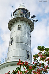 20090718 - Kuala Selangor - Bukit Malawati - Light House (Jeremy Tan, KL) Tags: old light lighthouse building hill safety malaysia guide geotag kualaselangor selangor malawati bukitmalawati jinxstudio