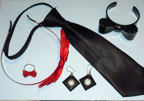 Red and black outfit - accessories