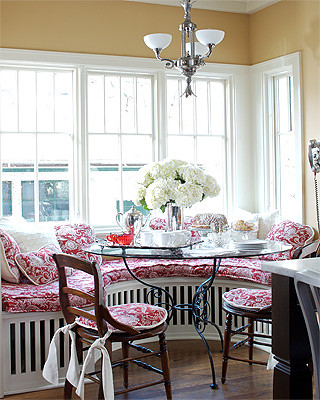 ktichen window seat_elle decor