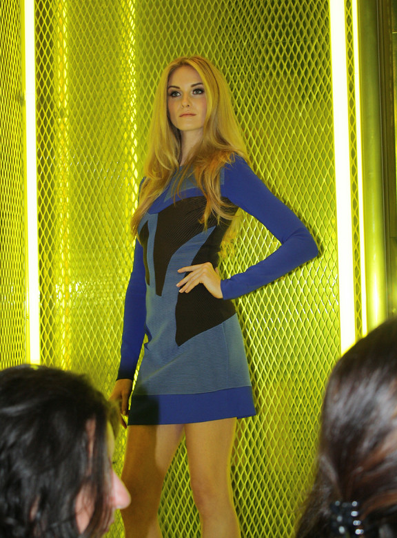 Versace-model