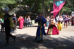 The parade! (Lord Gregor) Tags: festival costume outfit pirates fair medieval pirate faire carver renfaire renaissancefestival renaissance renaissancefaire renfest kingrichardsfaire garb pyrate krf krf91110