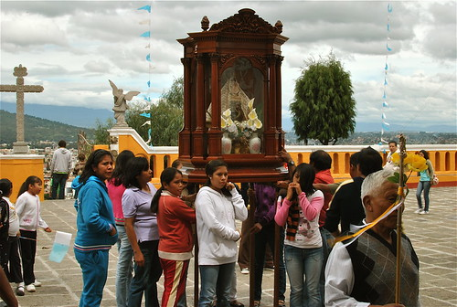 Una Peregrinacion In Cholula, Puebla