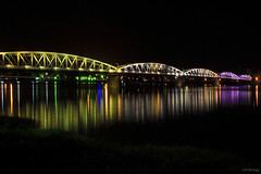 Trang Tien bridge in the night (-clicking-) Tags: lighting bridge light reflection beautiful night landscape colorful vietnam hue trangtienbridge hu mywinners thechallengefactory cutrngtin