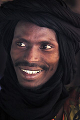 The country of Niger, West Africa:  019 (babasteve) Tags: portrait man smile face niger westafrica turban babasteve steveevans