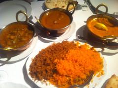 Curry de verduras, langostinos y cordero