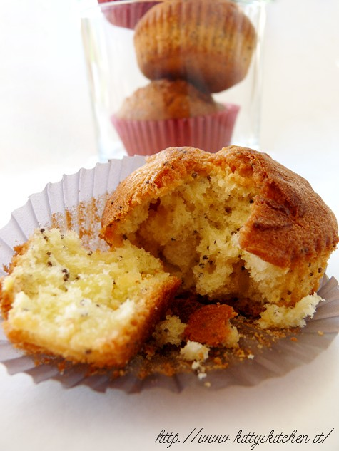 muffin mandorle e semi di papavero
