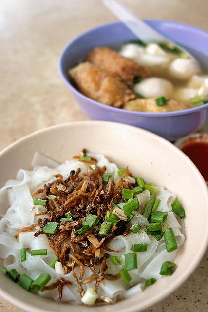 Xiu Ji Ikan Bilis Yong Tau Fu - Dry Kway Teow