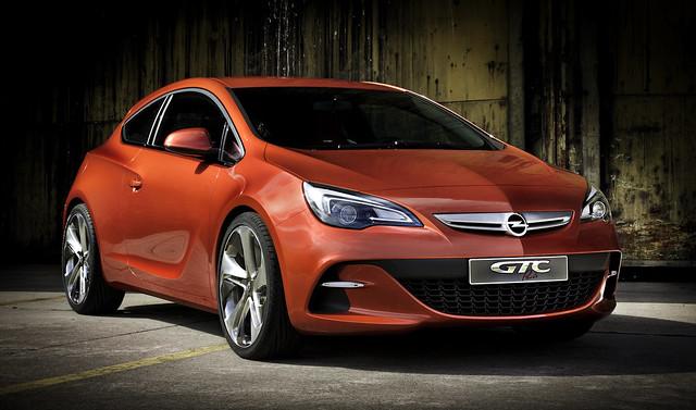 Opel GTC - Code Red
