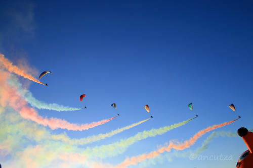 I paramotoristi delle Frecce tricolori a Ferrara Balloons Festival