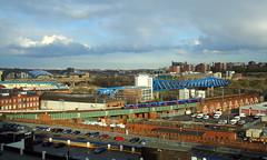 Newcastle (Moser's Maroon) Tags: bridge blue sky station train newcastle town blauw sage rails brug toon lucht stad trein