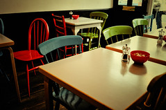 Coffe And Cake Time (Khinito) Tags: london table colours coffeeshop colores silla londres mesa cafetería