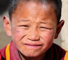 Child Monk, Tibet (reurinkjan) Tags: miphamrinpoche བོད་ལྗོངས། ©janreurink tibetanplateauབོད་མཐོ་སྒང་bötogang khamཁམས། tibetanethnicityབོད་རིགས། buddhismསངས་རྒྱས་ཆོས་ལུགས། tibetབོད tibetanབོད་པ tibetanchildrenབོད་ཕྲུགbötruk sershulསེར་ཤུལ།county drukparinpoche monasteryདགོན་པ།གླིང་།dgonpagling monkགྲྭ་བ།grwaba 2010༢༠༡༠ sershultekchendargyelingསེར་ཤུལ་ཏེཀ་ཆེན་དར་གྱེ་གླིང་ sershülgön tsongkhapalhakhang