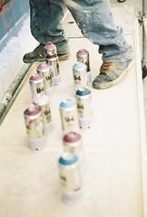seeds (2010) (eme minúscula) Tags: pink blue film feet valencia azul 35mm 50mm graffiti nikon mask rosa spray painter pies click blau aerosol 77 vlc pintor 2010 morat upv nikkormat máscara peus valència morado arteurbano arturbà universidadpolitécnica sooc poliniza graffitero politècnic universitatpolitècnica ememinuscula ememinúscula pol·linitza clickfotografía