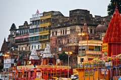 The dawn on the Ghat in Varanasi, Uttar Pradesh, India (fabriziogiordano23) Tags: trip travel india holiday colors asia journey indie varanasi 1001nights colori viaggio vacanza sacro benares ghat indland scalinata  uttarpradesh    beautifulphoto   flickraward  flickrestrellas  fabbow ringexcellence flickrtravelaward