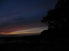 Final Rays Makena Cove (stu_macgoo) Tags: sunset colors beauty hawaii vivid maui makena makenacove