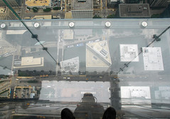 Glass balcony (Paolo Rosa) Tags: city usa chicago tower glass america observation coast illinois floor balcony sears searstower windy deck 103 willis skydeck città 412 coasttocoast 1353 willistower c2c2010