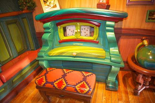 ピアノやテレビ