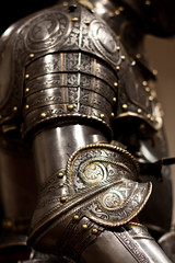 armor - arm & elbow (flee the cities) Tags: italy milan art museum arm steel medieval kansascity missouri armor elbow knight shoulder nelsonatkinsmuseumofart metalworking gilding copperalloy