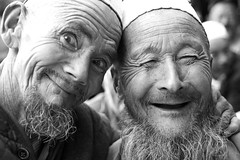 Charming Uyghur old men, Yarkand (aygulmipo) Tags: china travel people photo muslim islam culture oasis uighur xinjiang silkroad   uyghur centralasia    dolan  yarkand    yarkant        meshrep mashrap mshrp