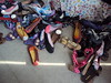 sapatilhas, sapatilhas, e sapatilhas!! (Visão.Arte Comunicação) Tags: bazar alicedisse visãoarte