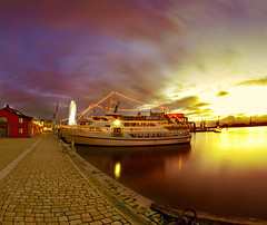 Home lights (Faisal!) Tags: port gteborg opera pentax gothenburg fisheye k5 gsthamn lillabomen