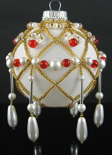 Beaded ornament in Gold-White-Red