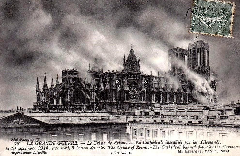 incendie de la cathédrale de Reims par les allemands le 19 septembre 1914