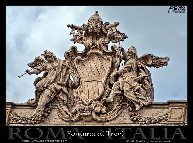 Fontana di Trevi - La omnipresencia papal