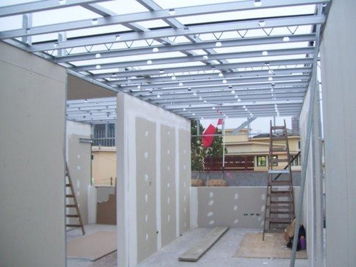 Construccion con paneles de cemento durock for Precio reforma completa piso 70 metros