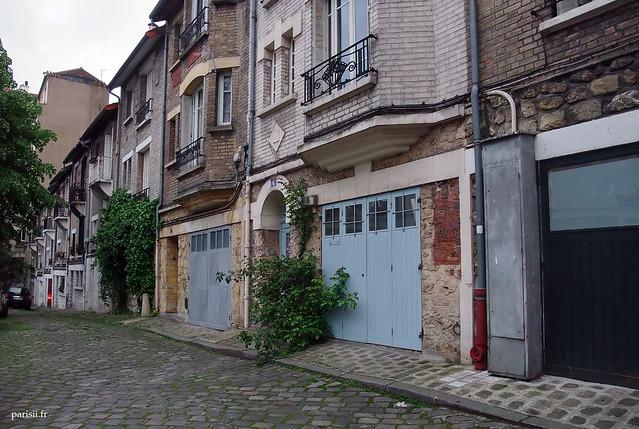 Chaque maison a son garage individuel