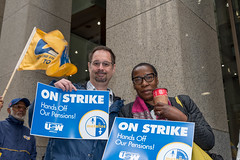 20170428_USW_Solidarity_Demonstration_Toronto_294.jpg (United Steelworkers - Metallos) Tags: manifestation demonstration usw d5 metallos union district5 syndicat glencore cezinc demo stockexchange toronto canlab