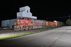 Old but still beautiful (gsebenste) Tags: santafe bnsf trains night waterman illinois