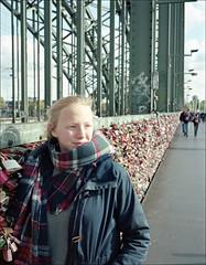 untitled (macfred64) Tags: mia lovelocks hohenzollernbridge film analog mediumformat 120 645 6x45 fujiga645 fujinon60mmf4 kodakportra400 cologne germany homeland