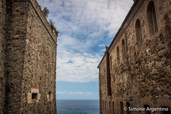 Sea foughts! (simoneargentino) Tags: seafoughts monuments castle skyandcastle seaandcastle fullcanon strict