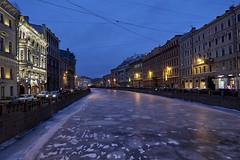 Icy night (kevindalb) Tags: russia russie winter hiver inverno saint petersburg saintpetersburg san pietroburgo sanpietroburgo 2017 ice ghiaccio glace