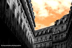 Le soir (Ecinquantotto ( + 1.185.000 grazie !! )) Tags: architettura architecture art arte pov bw bn blackwhite colori colors clouds d3000 diagonale finestre francia france geometrie geometric nikon nikond3000 nuvole sera soir paris parigi eresting