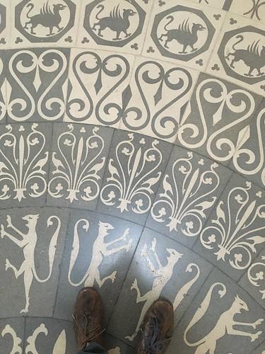 Palas Floor