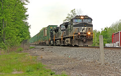 NS 23K in Perry (craigsanders429) Tags: norfolksoutherntrains norfolksouthern perryohio ns9568 intermodaltrains nsintermodaltrains nsstacktrains nsmotivepower nslocomotives