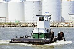 r_170519099_whcedu_a (Mitch Waxman) Tags: educationtour killvankull newjersey newyorkcity newyorkharbor nywaterways statenisland tugboat workingharborcommittee newyork