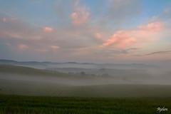 Alba e Nebbia... (Ajelen Foto) Tags: valdorcia alba nebbia albero paesaggio nuvole toscana italia ajelen