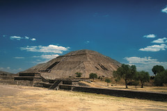 pyramid of the sun, teotihuacan (ikarusmedia) Tags: bricks rocks trees grass sky blue ruins old architecture ancient pyramid teotihuacan archeology