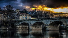 Burning bridge ! (Fred&rique) Tags: lumixfz1000 photoshop raw hdr pont béziers hérault aurore aube ciel nuages reflets eau maisons architecture
