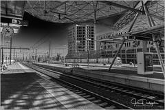 Railway station Leuven-Louvain (joke devliegher) Tags: train trainstation architecture architectenbureauphilippesamynpartners leuven louvain blackandwhite blackwhite zwartwit belgium belgianblogger fotografie flemishbrabant fuji fujixt1 flickrexploreme flanders monochrome streetphotography straatfotografie photography