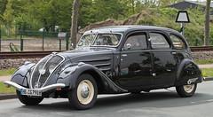 402 (Schwanzus_Longus) Tags: spotted spotting carspotting german germany car vehicle old classic vintage bruchhausen vilsen france french sedan saloon peugeot 402