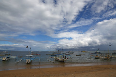 Sanur beach (Bert#) Tags: indonesia bali island sanur beach boat sailing blue sky travel