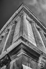 Maison Carrée - Nîmes (davcsl) Tags: antiquité architecture blackwhite bw biancoenero davcsl europe france gard histoire history nimes jesoutiensnîmes languedocroussillon monochrome monotones noiretblanc noiretblancblackwhite nb nîmes occitanie southoffrance romain roma romains rome sculpture scultura tradition unesco maisoncarrée squarehouse 平方的房子