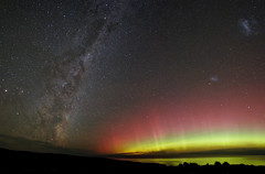 Aurora Australis & Milky Way (new version) (Seabird NZ) Tags: newzealand canterbury bankspeninsula teoka southernbays auroraaustralis southernlights milkyway nikond810a nikon1424mmf28 panorama dxoopticspro hugin lmc smc magellaniccloud ocean pacificocean reflections colourful