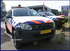 Dutch (Military) Police Amarok. (NikonDirk) Tags: koninklijke national agency air support unit marechaussee military politie police light vw volkswagen nikondirk netherlands nederland hulpverlening holland dutch cops cop flash mp motorcycle lights flashers flashing lightbar rotating warning blue foto dm412d border patrol dm394f dm399f amarok